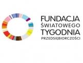Na białym tle wielobarwny kształt ramy koła obok napis fundacja światowego tygodnia przedsiębiorczości